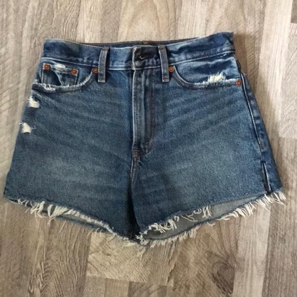 BNWT Abercrombie high waist jean shorts